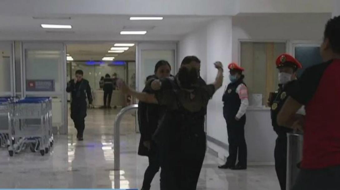 Foto: Llega a CDMX primer grupo de mexicanos varados en Perú por coronavirus, 19 marzo 2020