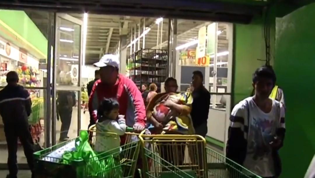 Foto: Saquean tienda de autoservicio en la alcaldía Iztapalapa