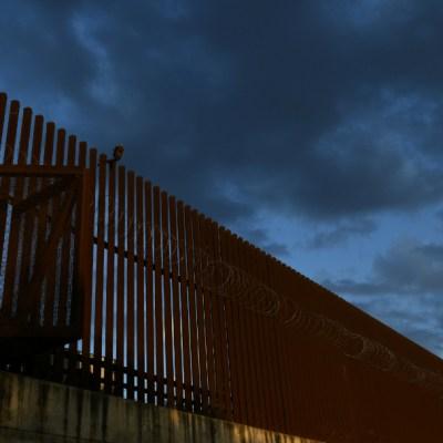 Trump limita cruces en frontera con México por coronavirus