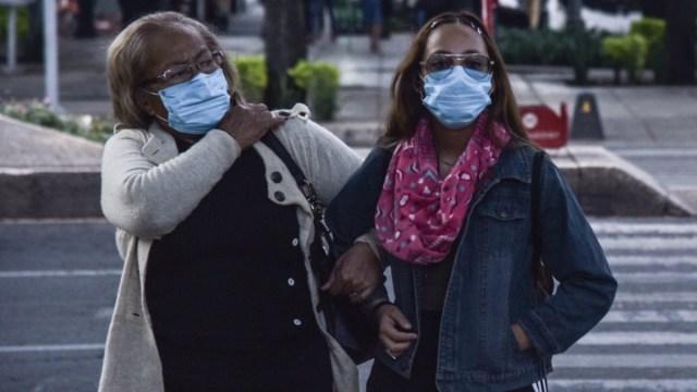 Varios estados cierran espacios públicos por coronavirus