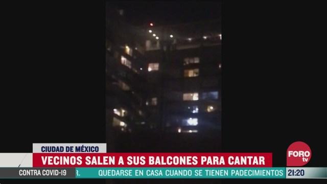 Foto: Coronavirus Desde Balcones Cantan La Chona Tusa Cdmx 27 Marzo 2020