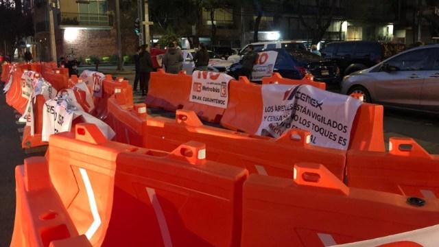 FOTO: Vecinos realizan bloqueo en avenida Cuauhtémoc por obras del Metrobús CDMX, el 03 de marzo de 2020
