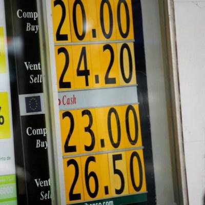 Foto: Coronavirus: Peso cae ante nerviosismo por impacto económico, 1 de abril de 2020, (Reuters)
