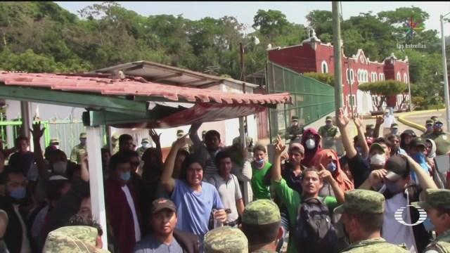 Foto: Abandonan 400 Migrantes Centroamericanos Línea Fronteriza Chiapas 8 Abril 2020
