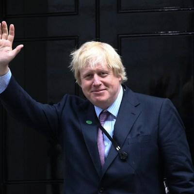 Boris Johnson, animado pese a hospitalización por coronavirus