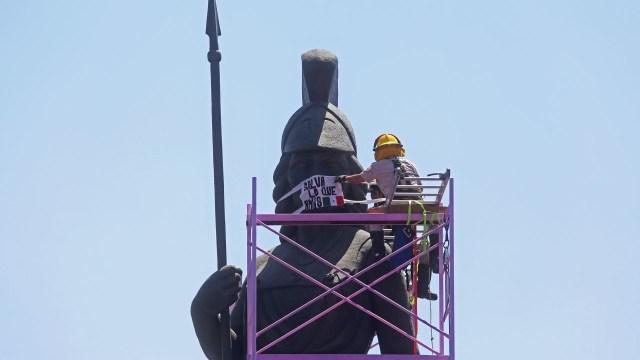 Foto: Coronavirus: Ponen cubrebocas a La Minerva en Guadalajara; invitan a quedarse en casa, 9 de abril de 2020, (Cuartoscuro, archivo)