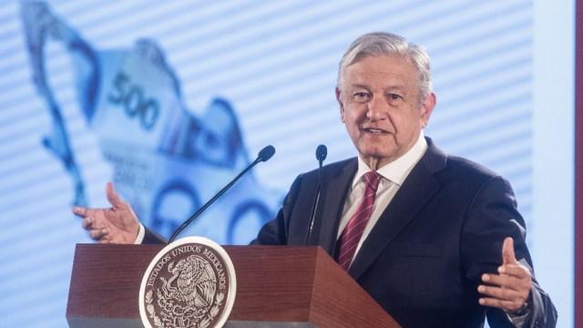 Foto: El presidente Andrés Manuel López Obrador en conferencia de prensa matutina, 15 abril 2020