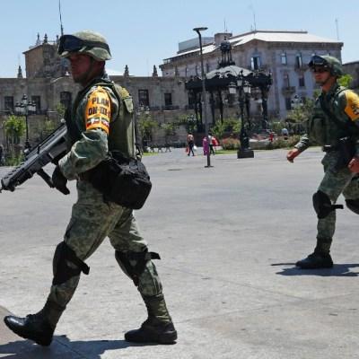 Foto: Militares vigilan calles de Guadalajara, Jalisco . Getty Images