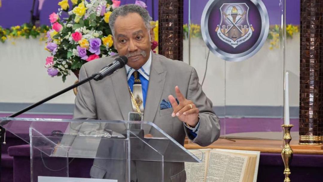 Famoso pastor estadounidense muere tras complicaciones por COVID-19