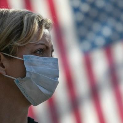Los cubrebocas podrían ayudar a limitar la transmisión de gripes y de coronavirus. (Foto: Getty Images)