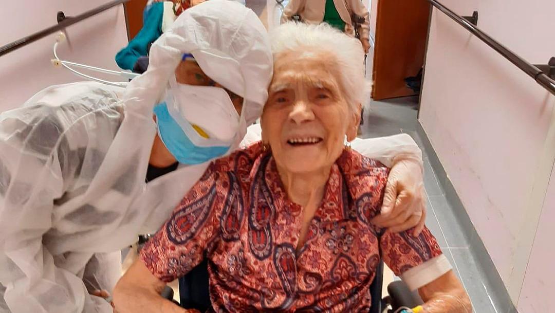 """Foto: Italiana de casi 104 años se recupera de coronavirus 'con """"fe'"""