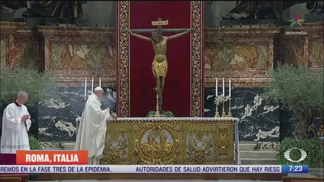 papa presidira la pasion de cristo en una basilica sin files