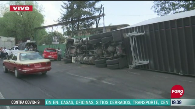 Foto: Volcadura Camión Abarrotes Tlalpan Cdmx Hoy6 Abril 2020