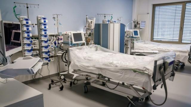 Fotografía de archivo que muestra una sala de hospital. (Foto: EFE)