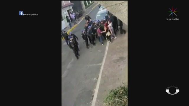 Foto: Se desata trifulca entre policías y habitantes de Cuajimalpa 16 Abril 2020