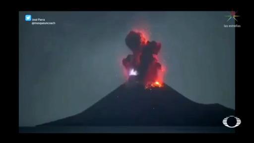 Foto: erupción el volcán Krakatoa, en Indonesia 10 Abril 2020