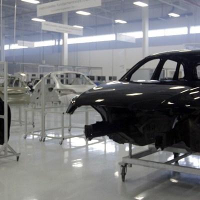 Industria automotriz pide ser considerada actividad esencial ante coronavirus; advierte caída del 25%