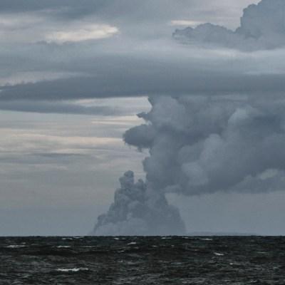 Se registran explosiones en 15 volcanes tras erupción del Krakatoa