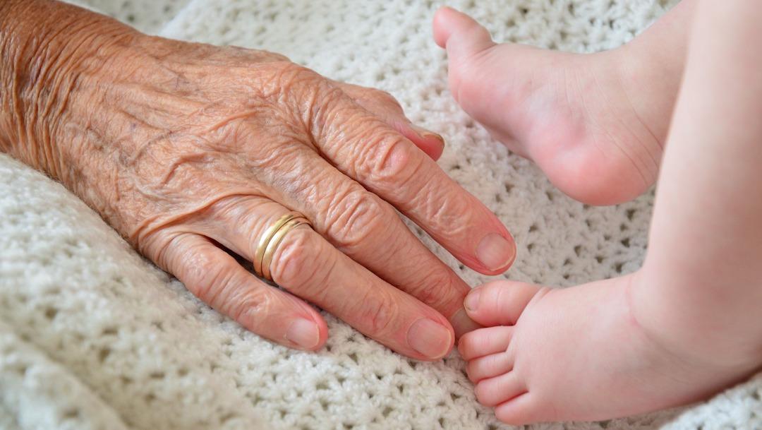 Foto Tras cuarentena abuelitos no podrán cuidar a sus nietos UNAM 19 mayo 2020