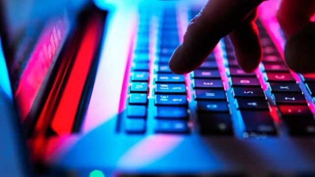 Alertan en CDMX sobre sitio de internet que ofrece tramitar documentos oficiales