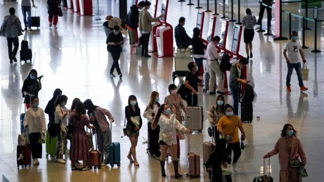 Foto: China permitirá más vuelos internacionales si se controlan casos 'importados' de coronavirus