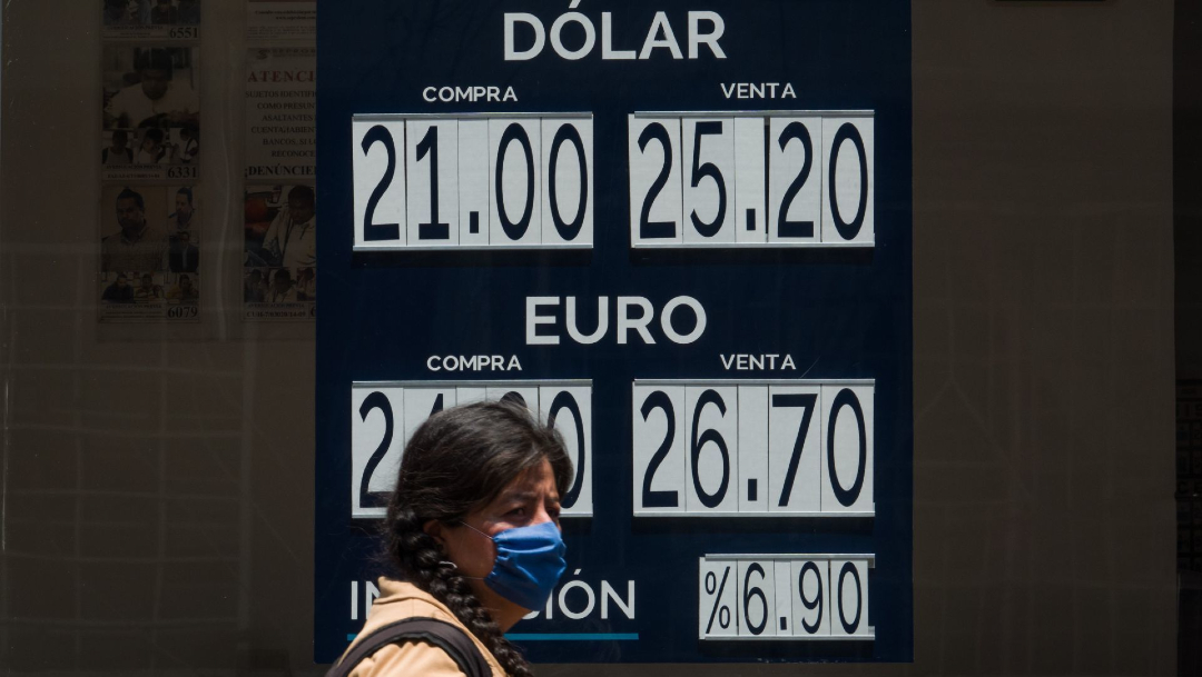 Peso mexicano vuelve a caer frente al dólar