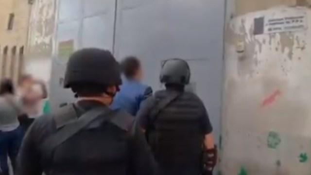Caen 4 elementos de la FGR por robo a residencia en Atizapán