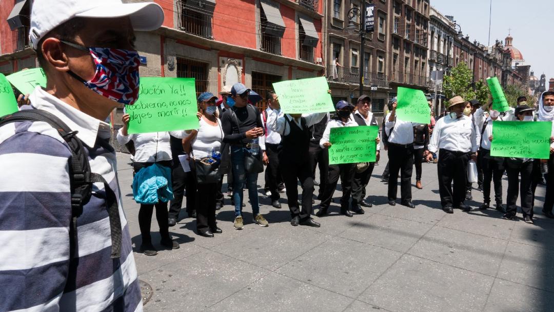 Meseros piden apoyos económicos ante la falta de empleo por el coronavirus. (Foto: Cuartoscuro)