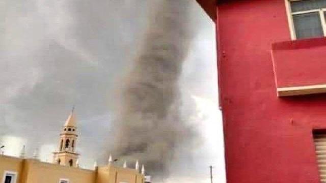 Foto: Captan cuatro tornados en San Nicolás Buenos Aires, Puebla, 1 de mayo de 2020, (Twitter @ChaacTlaloc)