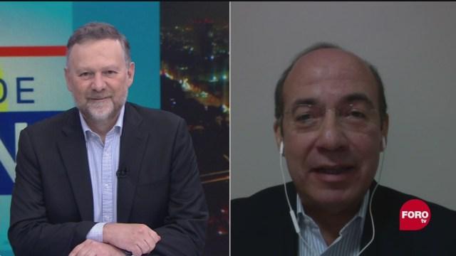 Felipe Calderón en entrevista con Leo Zuckermann sobre las decisiones de su gobierno
