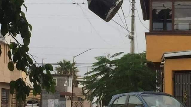 Fuerte tormenta azota Nuevo Laredo, Tamaulipas, y causa destrozos
