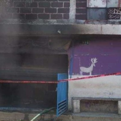 Incendian expendio de alcohol adulterado tras muerte de 11 personas en Morelos