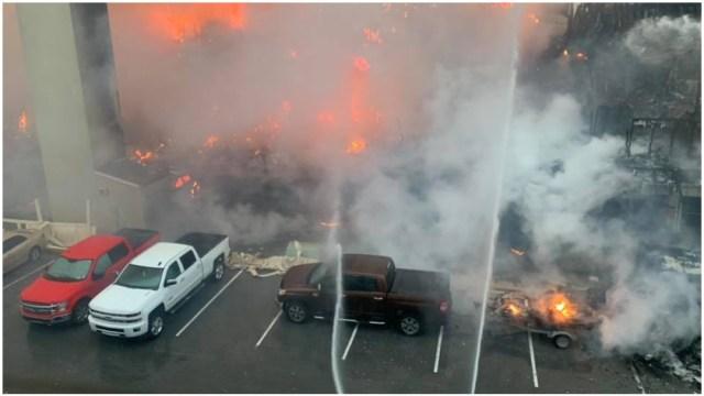 Foto: Se registra fuerte incendio en la Isla del Padre en Texas, 16 de mayo de 2020 (Departamento de Policía de Laguna Vista)