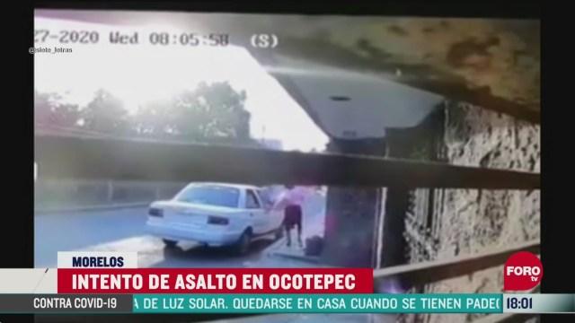 FOTO: intentan asaltar a una mujer y por poco la atropellan