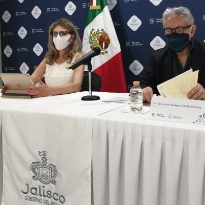 Detienen a sujeto presuntamente vinculado a la venta de alcohol adulterado en Jalisco