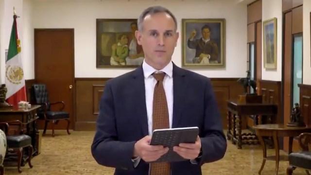 López-Gatell lee poesía para apoyar difusión de la campaña 'Quédate en casa leyendo'