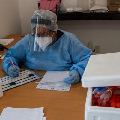 Médicos y enfermeras acuden a recibir terapia psicológica por temor al COVID-19