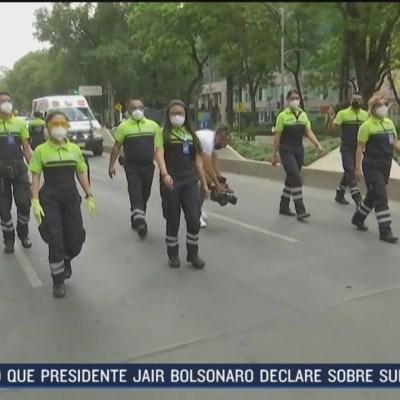 FOTO: 30 de mayo 2020, paramedicos guardan un minuto de silencio por muertos a causa de covid