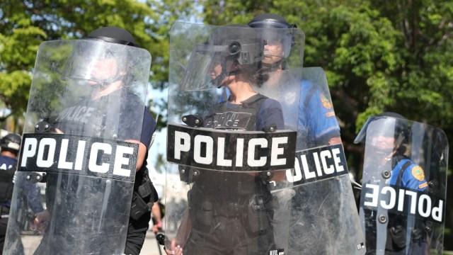 FOTO: Patrulla Fronteriza se suma a los esfuerzos para controlar disturbios en EE.UU., el 31 de mayo de 2020