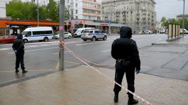 Detienen a sujeto que se atrincheró en un banco de Moscú con una bomba. (Foto: https://rg.ru/)