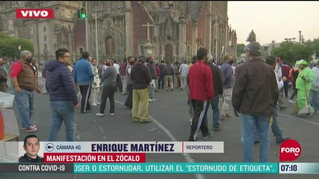 taxistas se manifiestan en zocalo de la ciudad de mexico