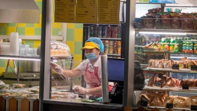 Foto: Un tercio de los rusos considera al coronavirus 'una invención'