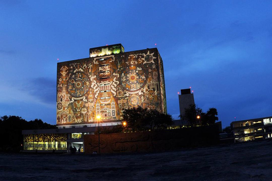 UNAM Estudiante Mención Honorifica En Línea FES Acatlán Foto