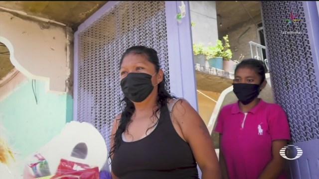 vecinos de ciudad nezahualcoyotl se organizan con la mesita solidaria