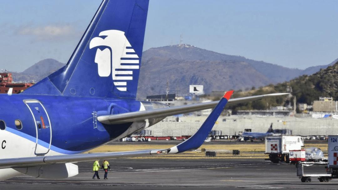 avion-de-aeromexico-en-aeropuerto-de-cdmx
