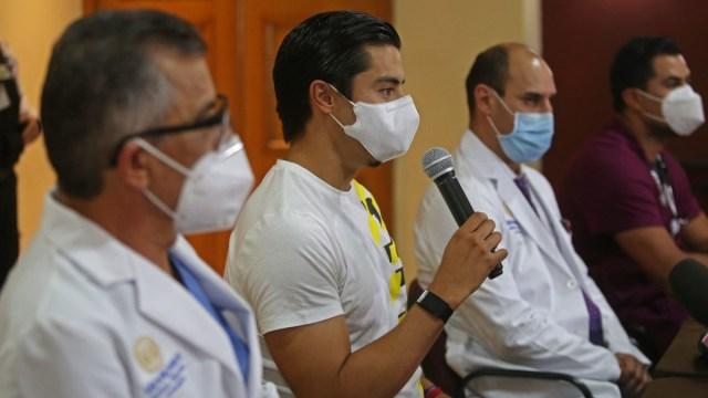 Benjamín Galindo deja el hospital tras derrame cerebral