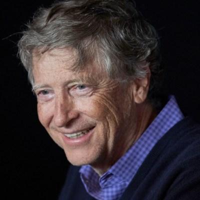 Bill Gates teme que desinformación disuada de vacunarse contra COVID-19