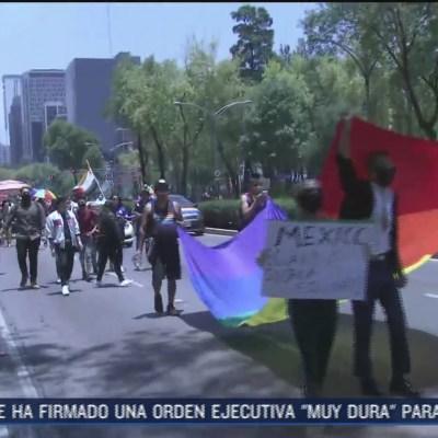 Cerca de 100 personas participan en Marcha del Orgullo Gay en Paseo de la Reforma