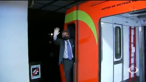 El conductor más feliz del metro busca mantener el ánimo