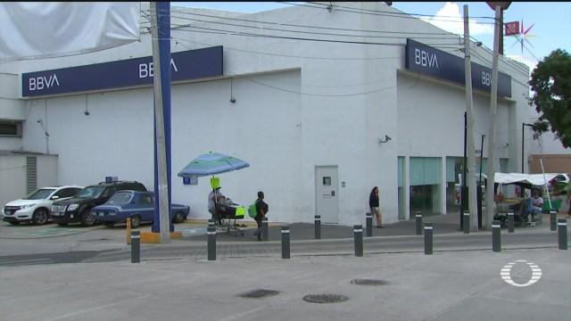 colocan cinturon de explosivos a empleada de banco para robar 14 mdp en la gam